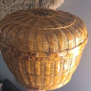 Vintage large wicker basket with lid
